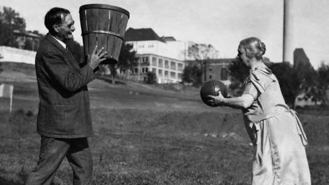 ворець баскетболу Джеймс Нейсміт із дружиною, 1928 рік / Фото pinterest
