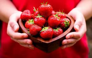 Чому корисно вживати полуницю