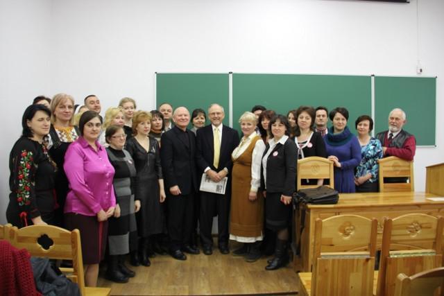 Учасники конкурсу з професором Брюсом А. Літтлом (США)