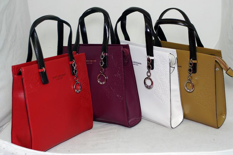 Де у Рівному дешевше купити стильну жіночу сумку  dc6b23e52ed03