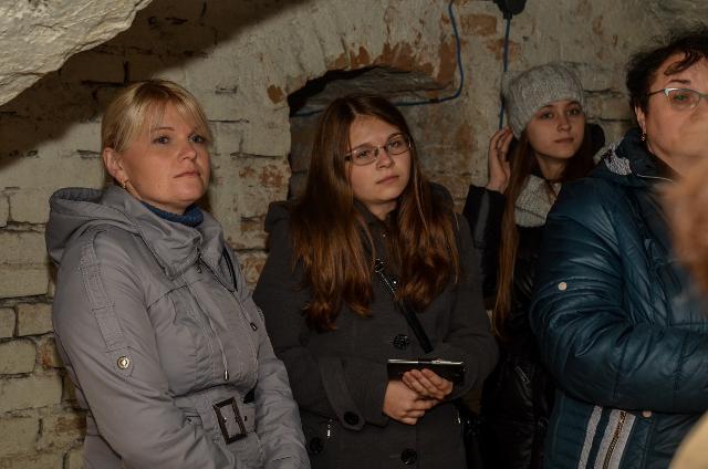 Захоплююча екскурсія старовинними підземеллями Острозької академії - один із націкавіших моментів під час дводенних курсів