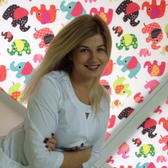 Старша медична сестра Ірина Курін