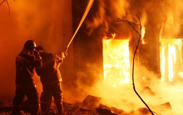 """Результат пошуку зображень за запитом """"врятували на пожежі чоловіка"""""""