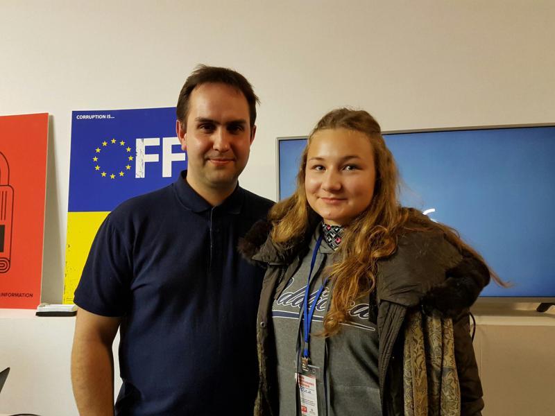 З викладачем кафедри журналістики Романом Шуликом