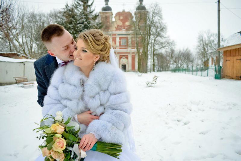 dc8370a0836980 Пара з Рівненщини на всю країну показала своє весілля за 150 тисяч (+ВІДЕО)