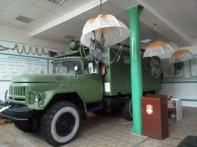 Військова вантажівка. Фото Олександра Шевчука