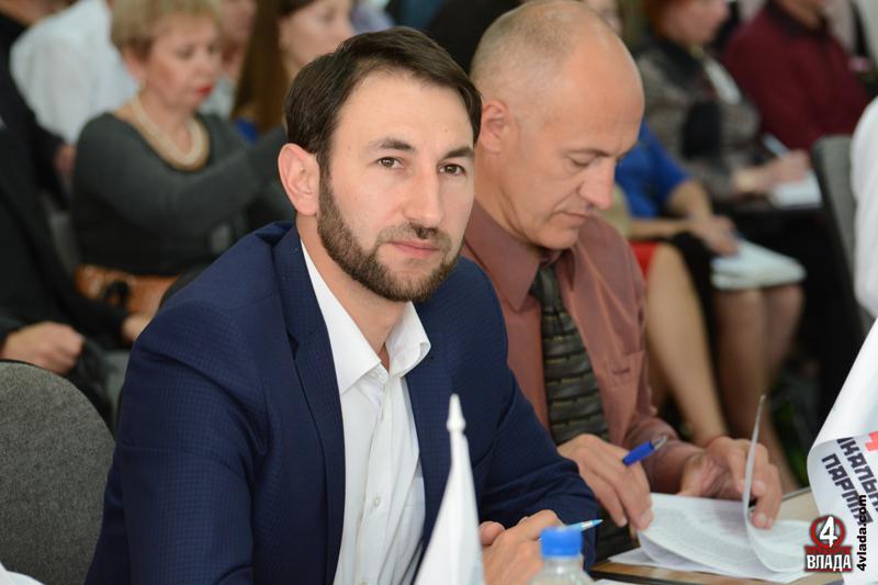 Депутат міськради Рівного затриманий нахабарі в $5 тис— СБУ