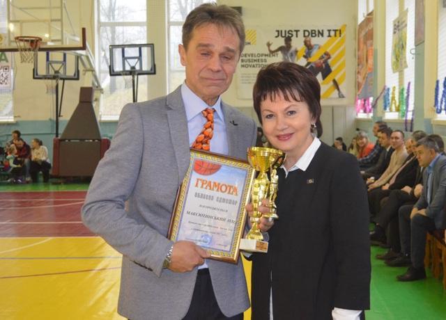 Тренер Олег Максютинський з заступницею голови ОДА Світланою Богатирчук-Кривко