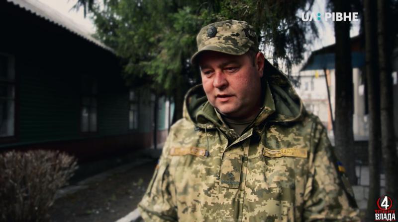 Виконуючий обов'язки військового комісара Андрій Крупич – свідок того, як у «швидкій» брали гроші за перевезення загиблих бійців<br />