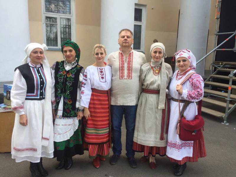 """Афіша  у Рівному можна подивитись на українське вбрання. """" c17bb8b144e2c"""