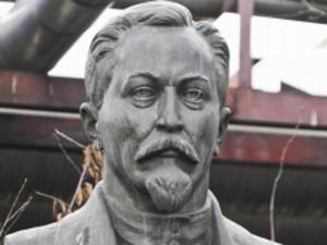 Представники Сарненської районної ради написали лист Путіну, де просять його викупити пам'ятник його «духовного наставника»