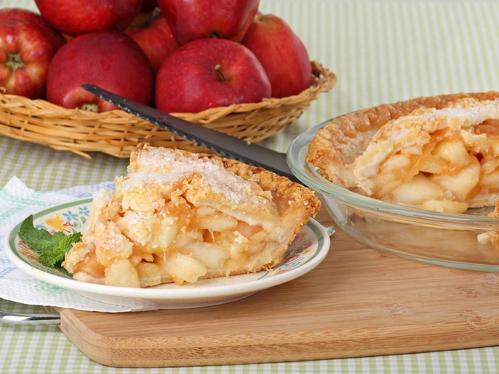 Шарлотка з яблуками рецепт з фото