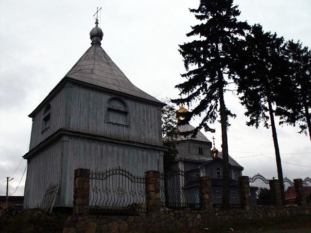 Дерев'яна Покровська церква в с.Обарів Рівненського району