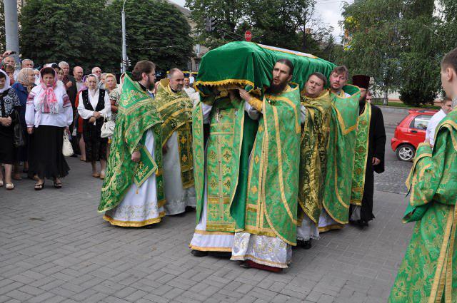 Мощі святого Меркурія Бригинського прибули до Свято-Покровського кафедрального собору Рівного. Літо 2013 року