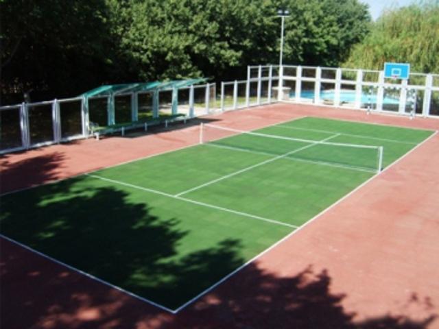 Інвестор зведе тенісні корти поруч міського озера у Франківську