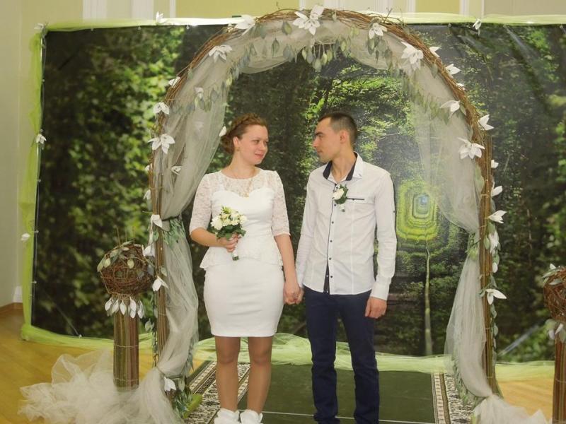 c6ed0e74b9ebe8 820 пар наречених уклали «Шлюб за добу» у Рівненській області, повідомляє  Рівненська юстиція.