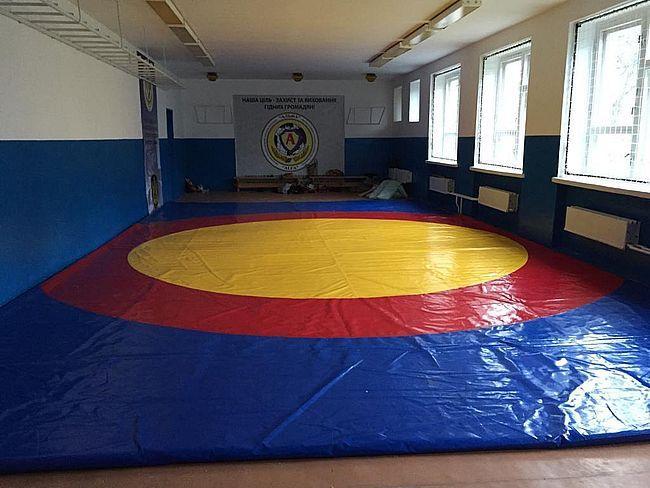 Найперший спортзал у с.Малий Мидськ