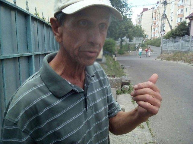 Мешканець вулиці Межова розповідає про проблеми