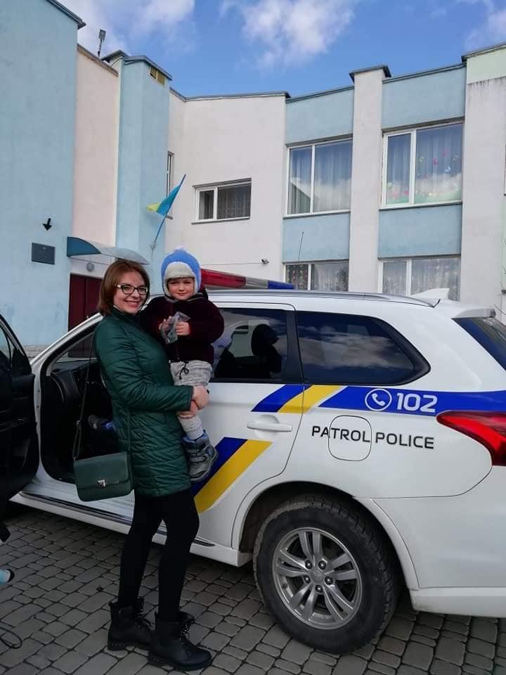 """Благодійній організації """"Дарунок"""" допомагає Патрульна поліція Рівного"""