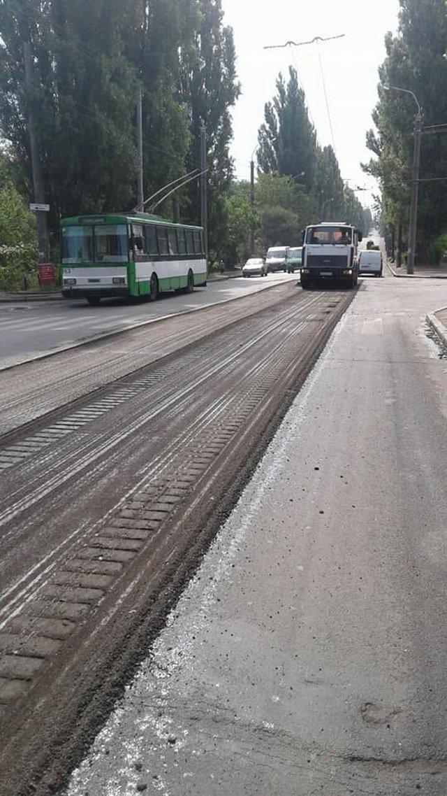 Ремонт на вулиці Соборній, фото зі сторінки facebook.com/RivneSHEU