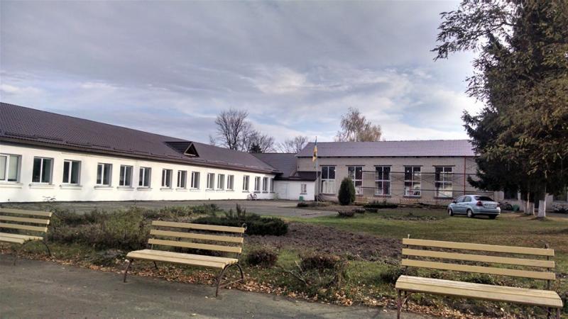 На фото школа в селі Полиці Володимирецького району<br /> <br />