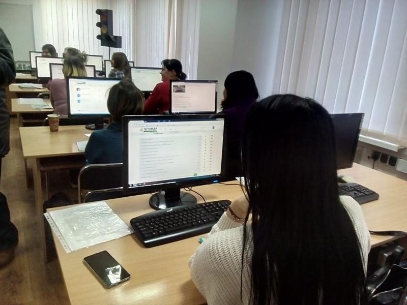 Клас для навчання на водіїв у навчальному відділенні в Олександрії.